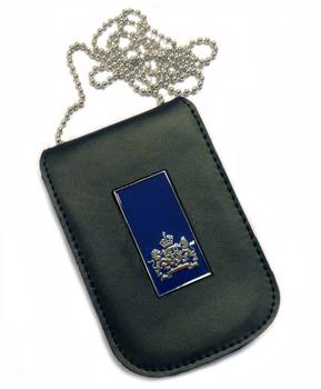 Blauw rechthoekig Rijkslogo legitimatiehouder met ketting