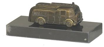 Brandweer beeldje met Brandweerauto